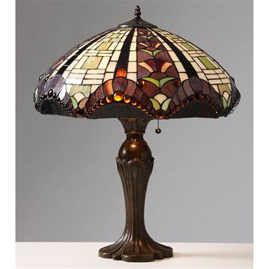 Tiffany-style Gothique Manor Table Lamp