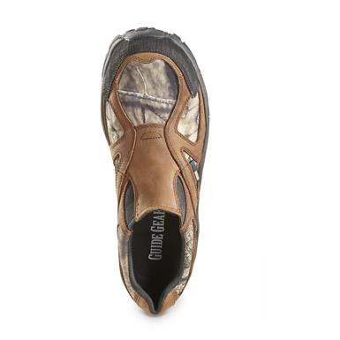 Leather and nylon uppers are lightweight yet extremely durable