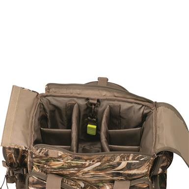 Removable, padded interior divider, Realtree MAX-5®