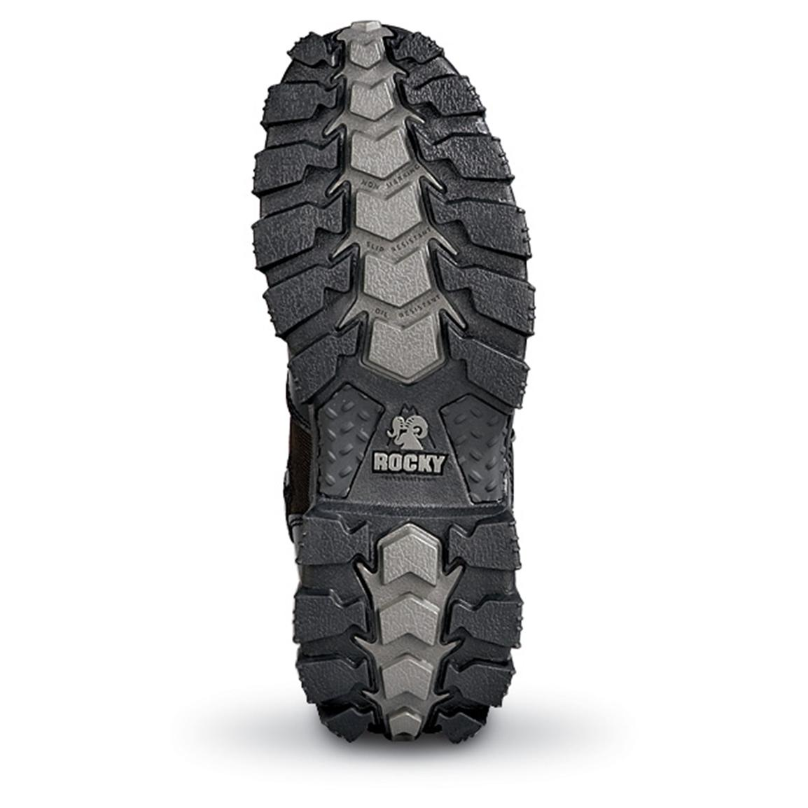 Oil-resistant and non-marking rubber outsole delivers superior traction