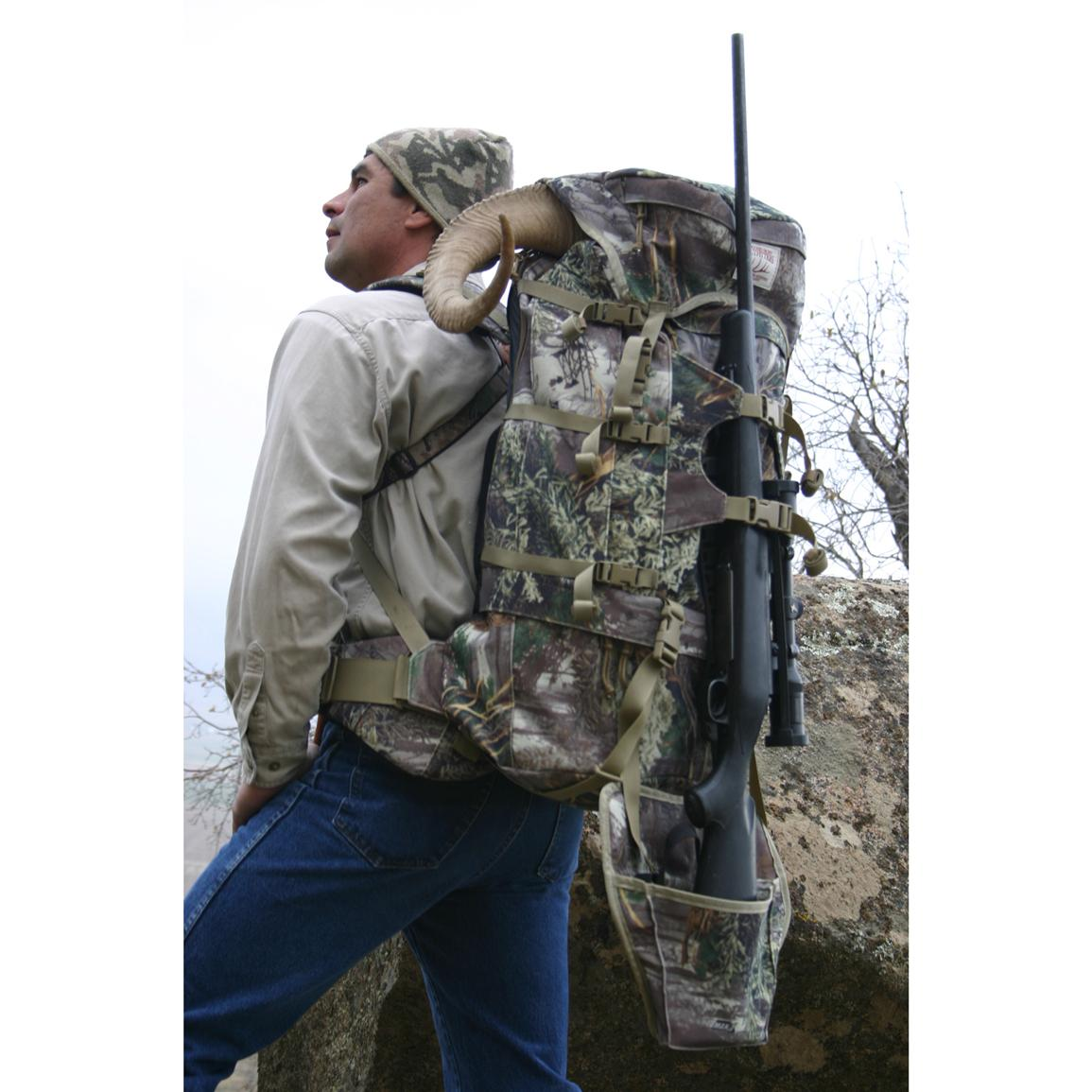 Heavy duty carry handle for easy transporting and hanging the pack in a tree stand