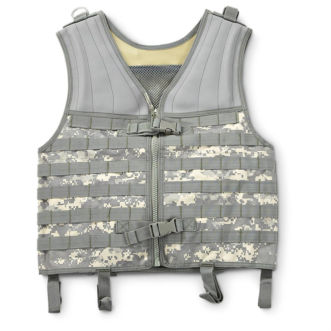 Military-style M.O.L.L.E. Tactical Vest, Army Digital