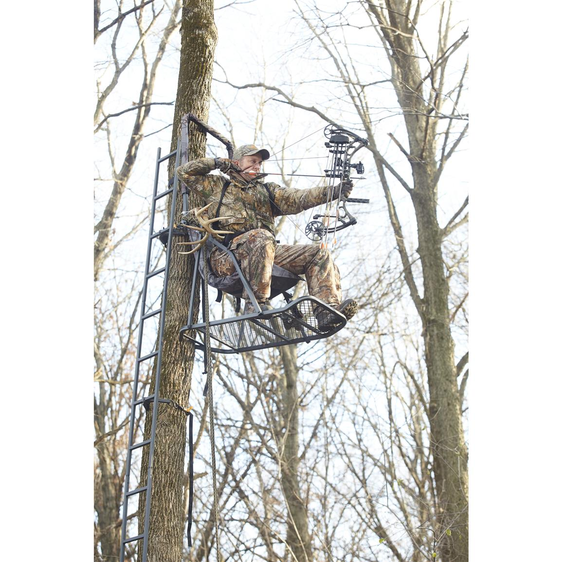 A chain-and-hook attachment mounts the tree Stand to the tree and includes 2 stabilizing hook-and-ratchet straps for a rock-solid setup