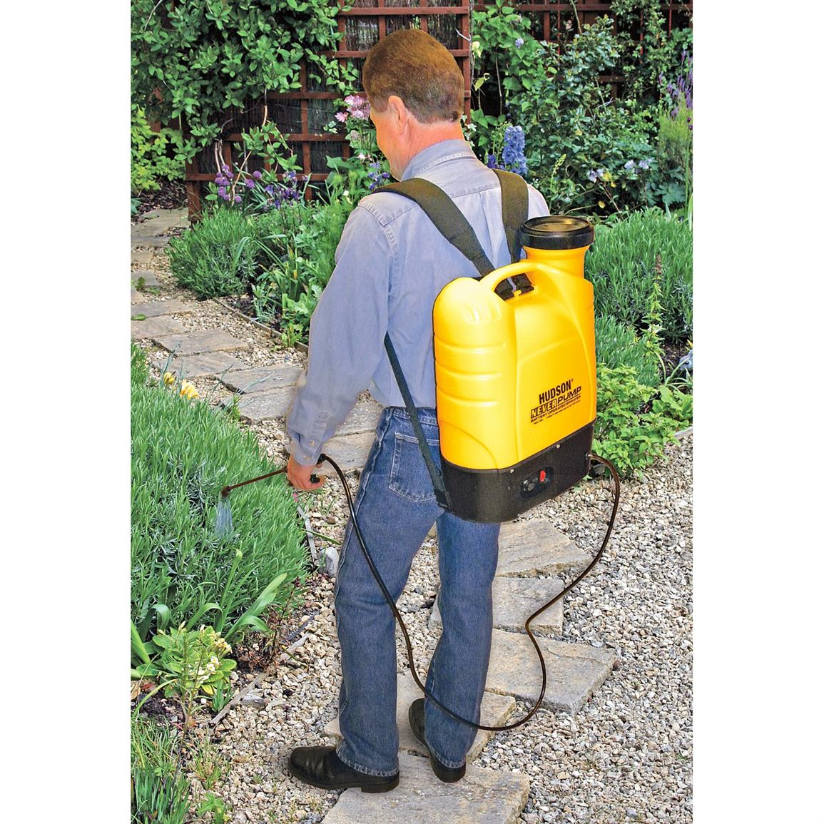 Tough, braided power sprayer-style hose with extra-long 20 foot poly spray wand