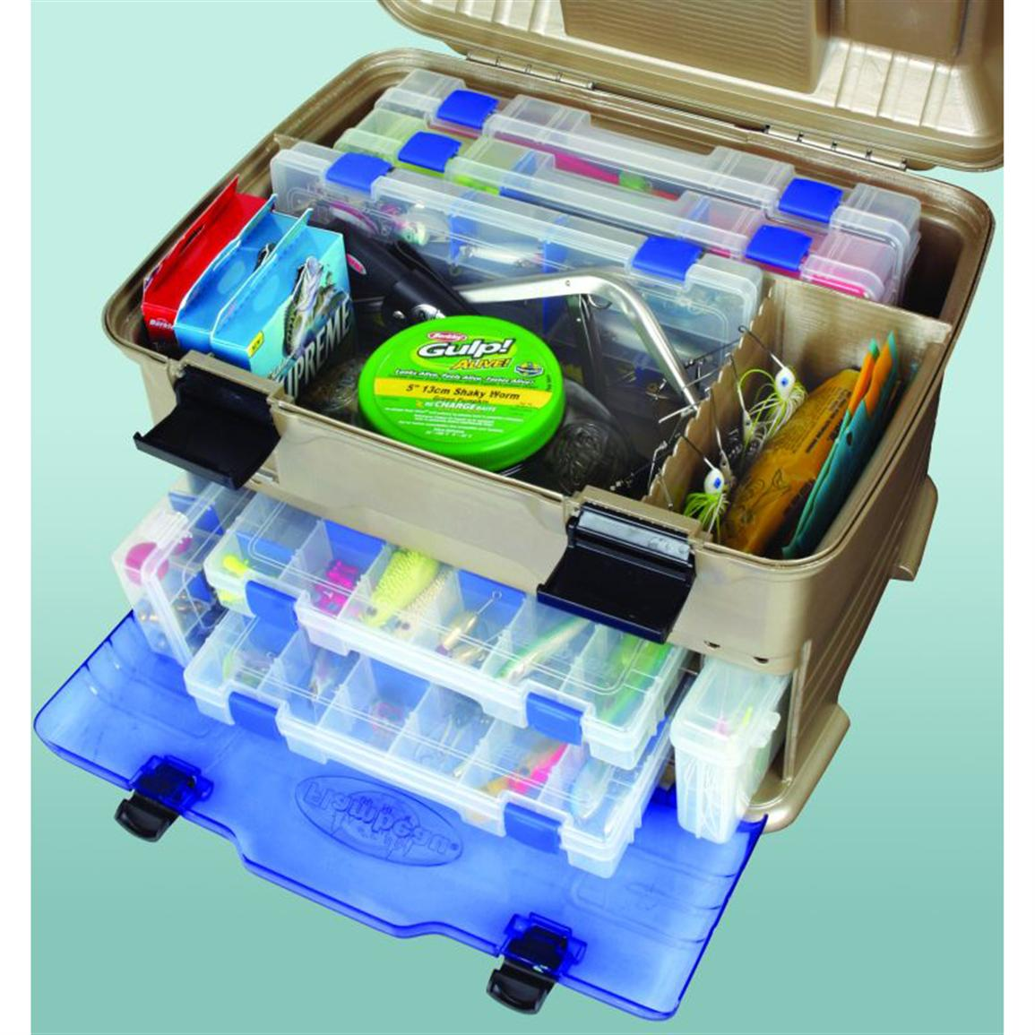 Spinnerbait storage in main top compartment