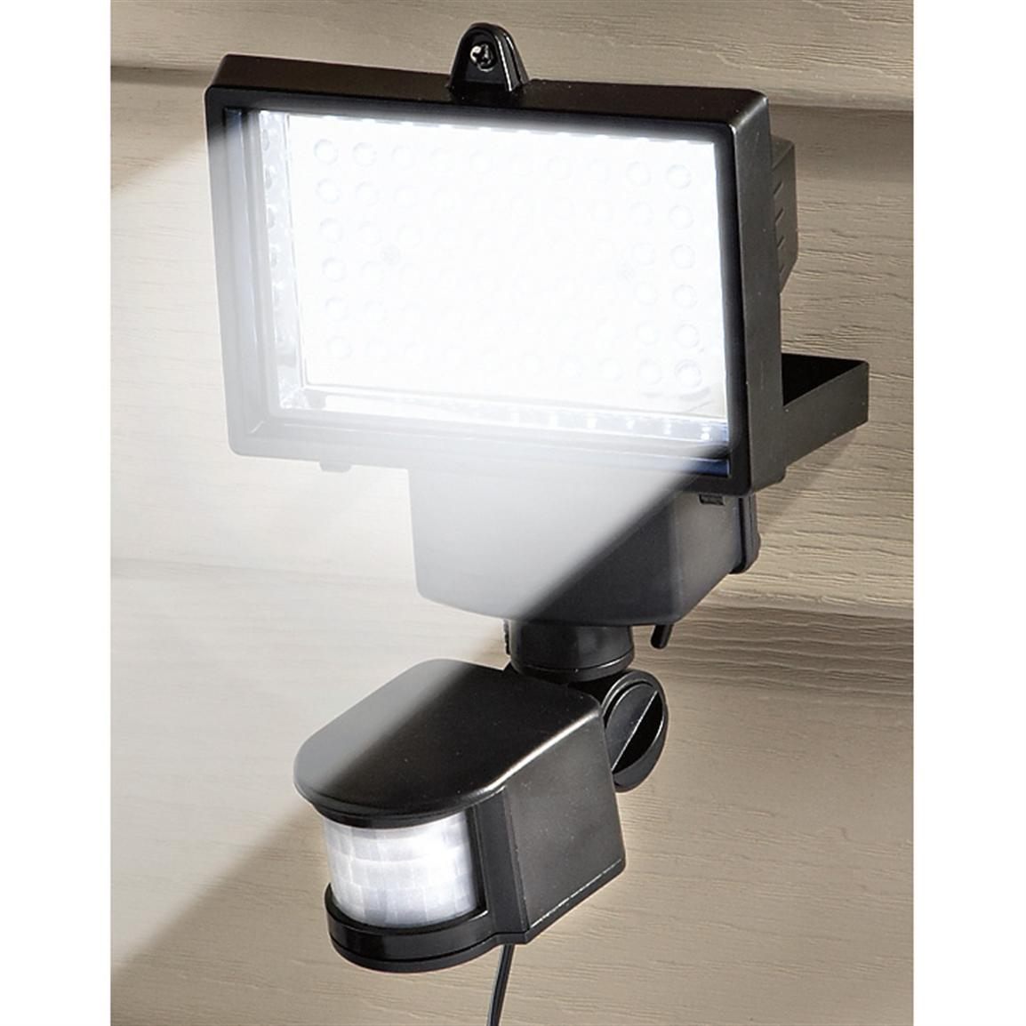 Solar Security Motion Sensor Light, 60 LED