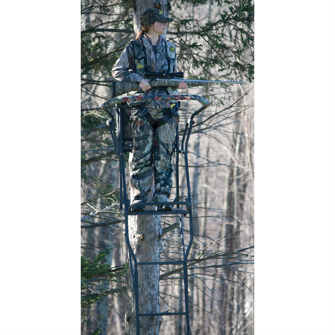 Rivers Edge™ 17 foot Oasis™ 1-man Ladder Stand