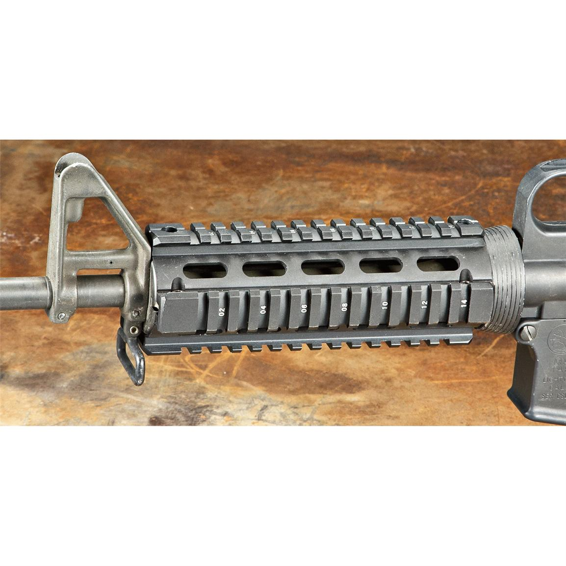 AR-15 6&#34 Carbine Quad Rail Accessory Mount