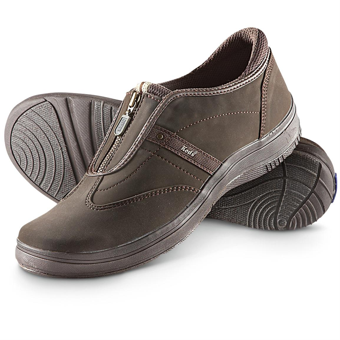 Born Shoes blend refined classic style with extraordinary comfort and craftsmanship. Buy Born Shoes and always get Free Shipping and Easy Returns. Shop Securely.