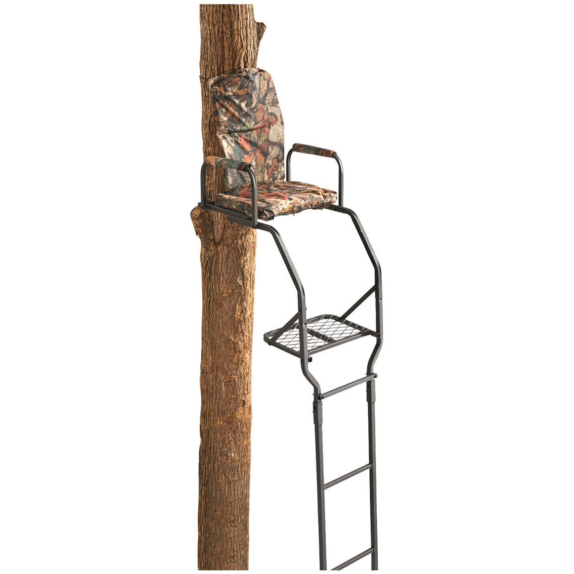 Guide Gear 16' Basic Ladder Tree Stand • Padded Camo seat and armrests