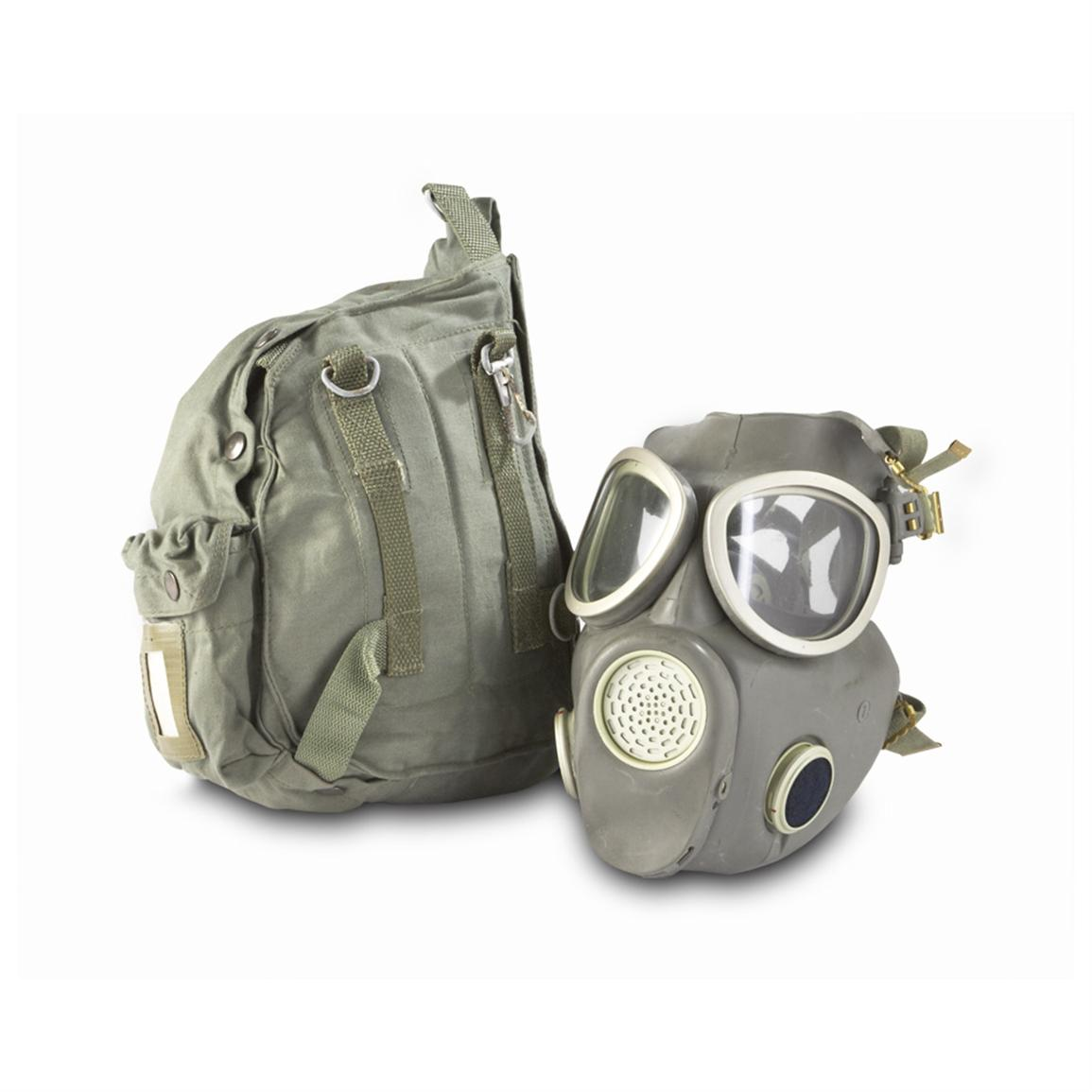 New Polish M10 Military Surplus Gas Mask with Bag • 207-cu. in. capacity