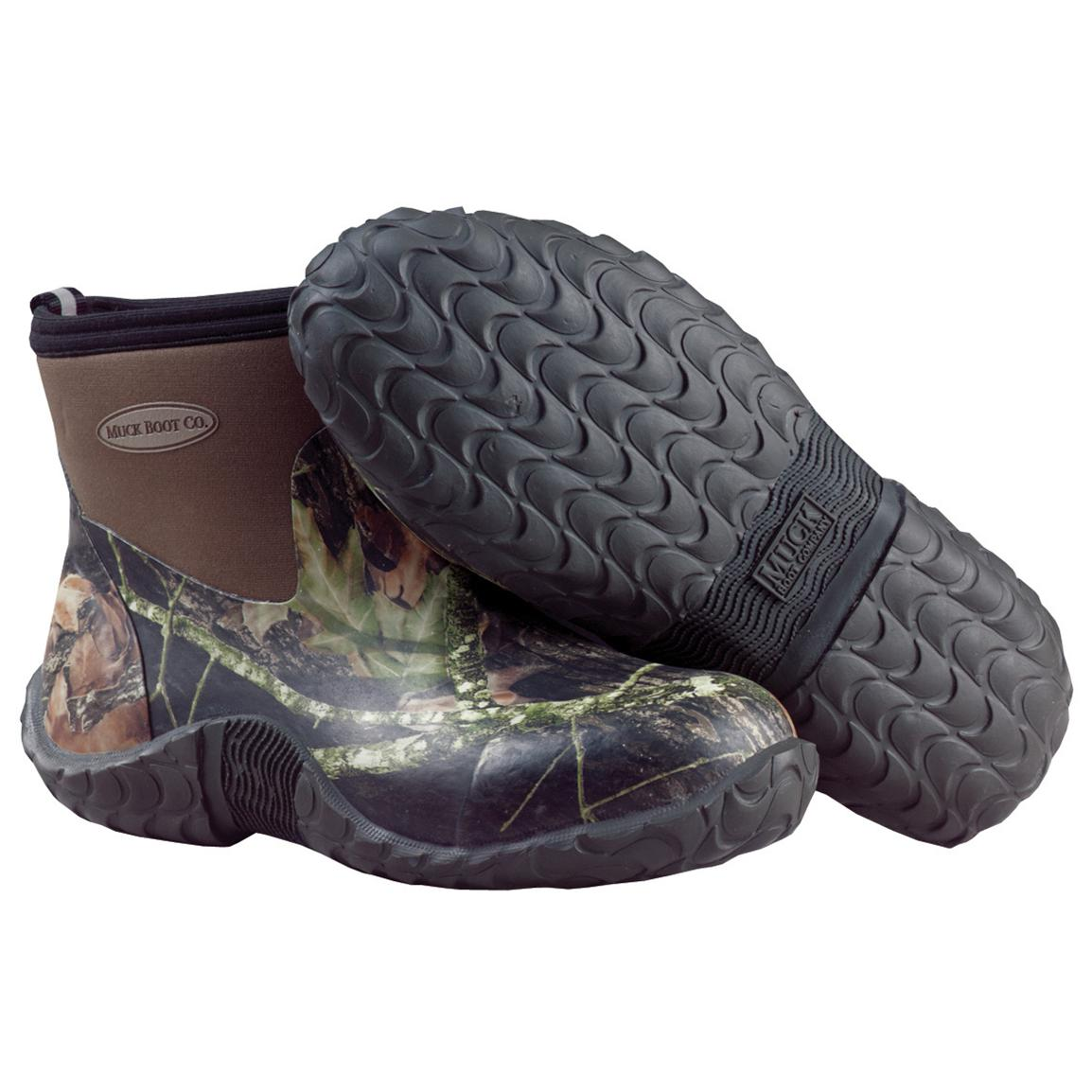 Weather Protection & Style: Women's Muck Co. Boots. The perfect companion for a rainy day adventure, bonfire, or outdoor function, women's Muck® boots blend weatherized protection and oh .