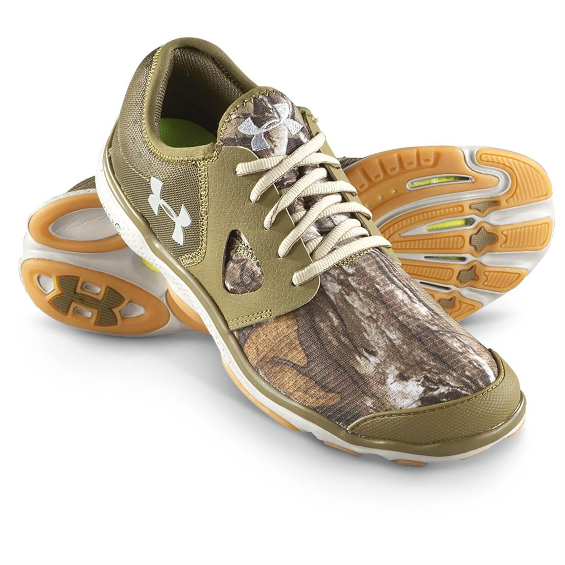 Men 39 s under armour toxic outdoor shoes realtree ap xtra for Under armour fishing shoes