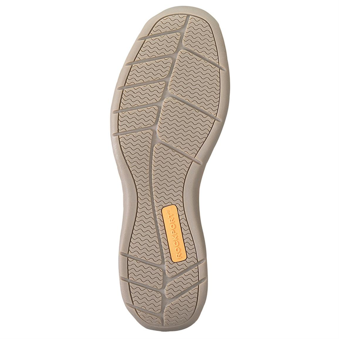 Rubber boat shoe outsole for traction wet or dry