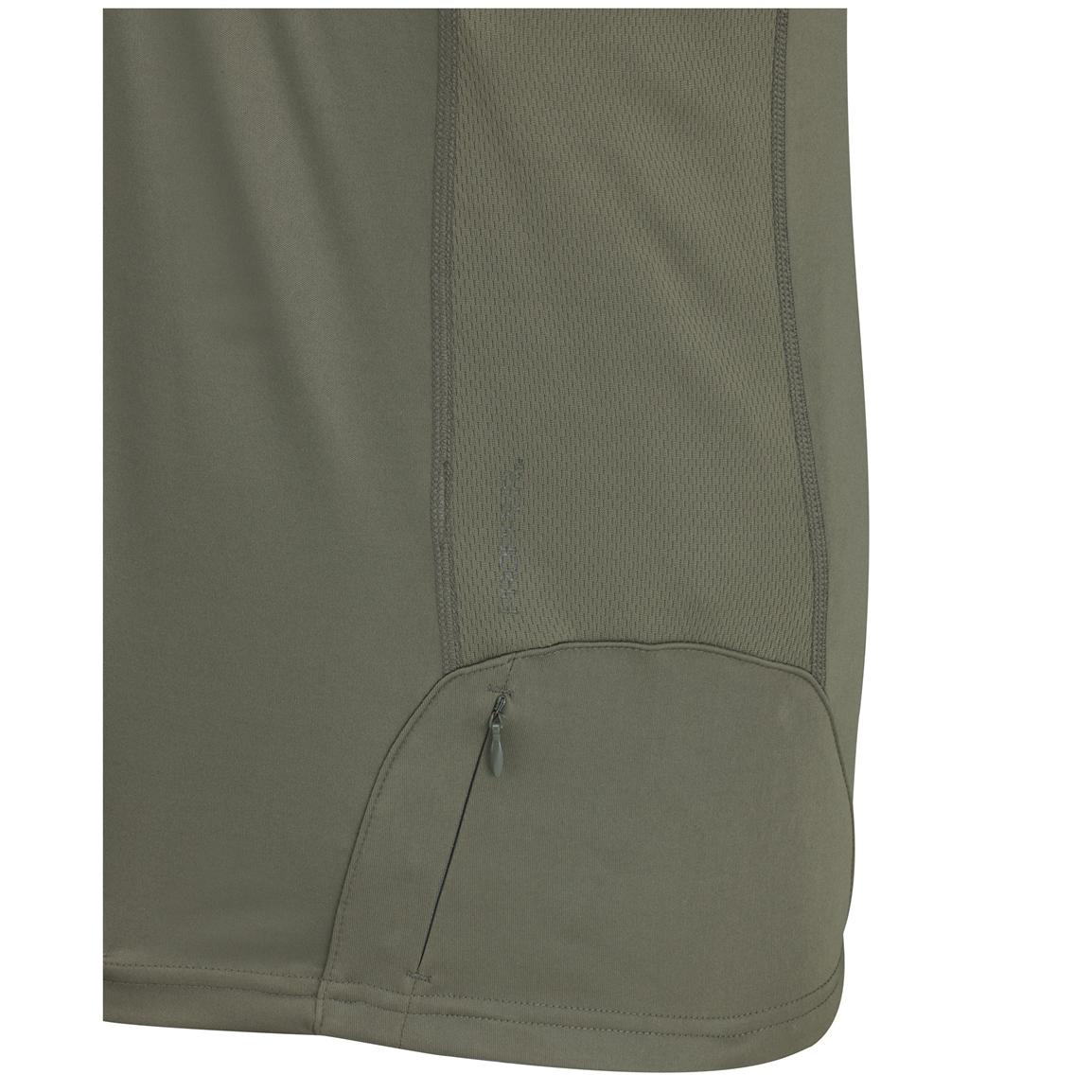 Extra zip pocket on hip for secure storage of accessories