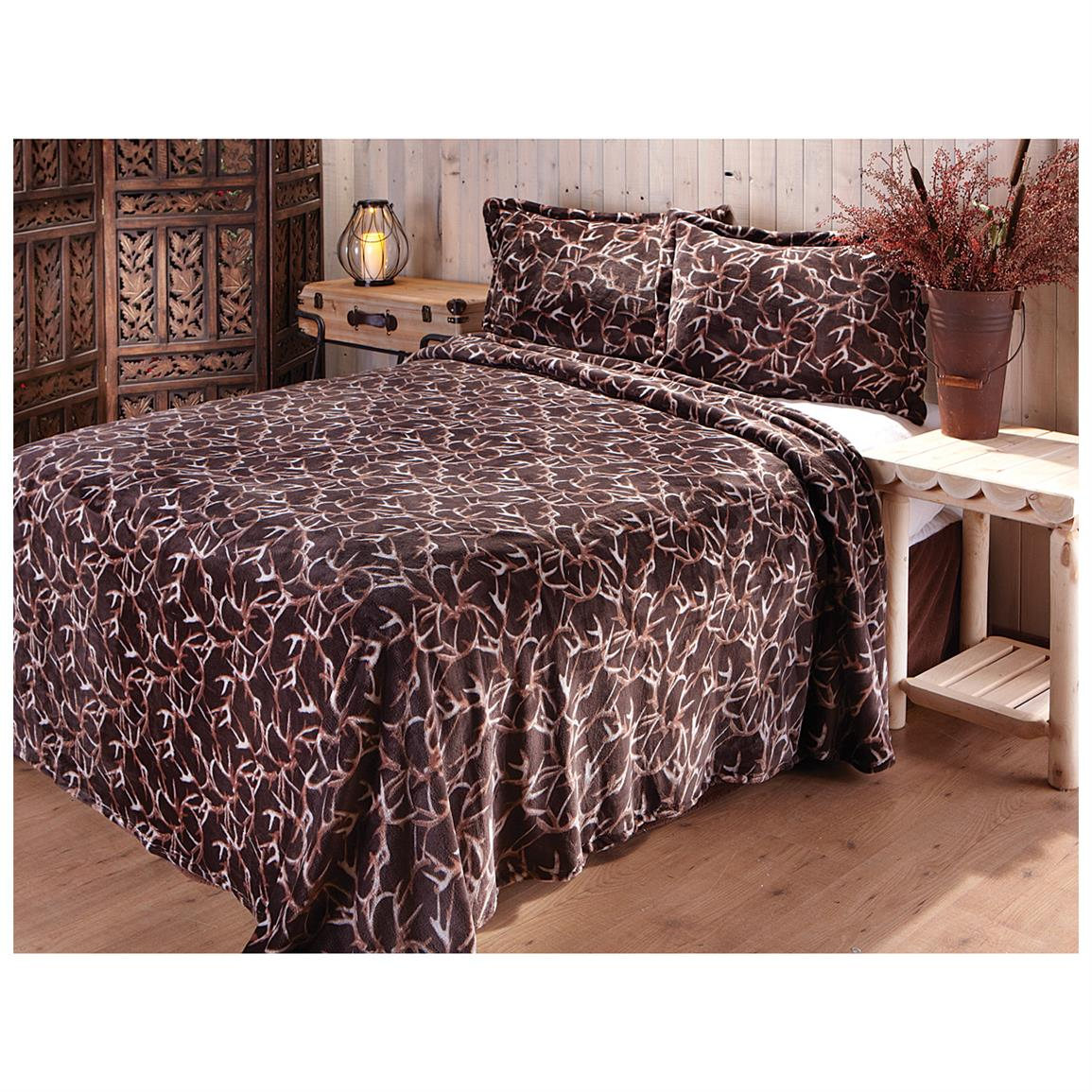 Shed Antlers Coverlet Set