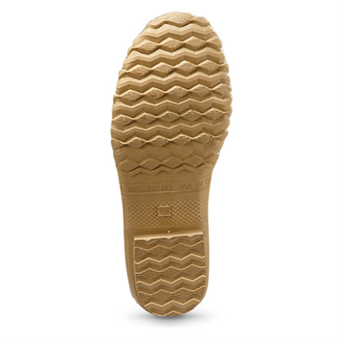 Lightweight outsole gives you slip-resistant traction on snow or ice
