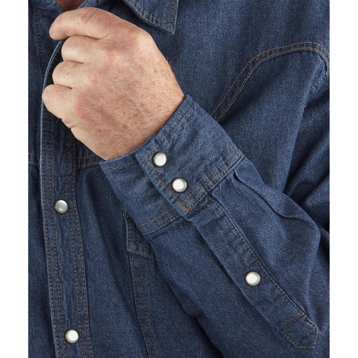 Pearl snap-button placket for classic Western style