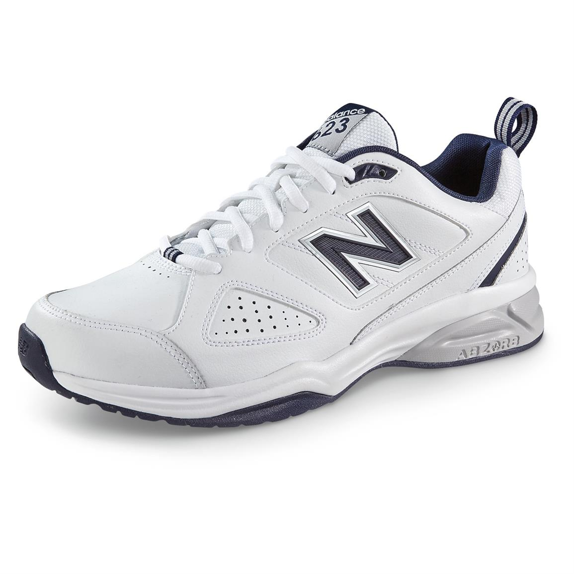 New Balance Men¿s 623 v3 Cross Trainers, White / Navy