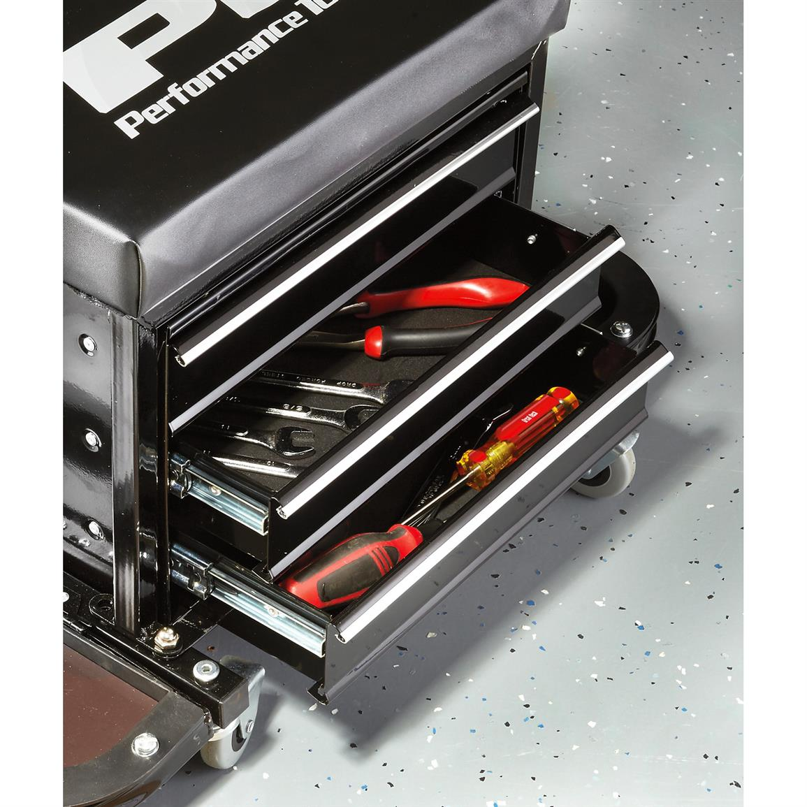 3 drawers store your tools