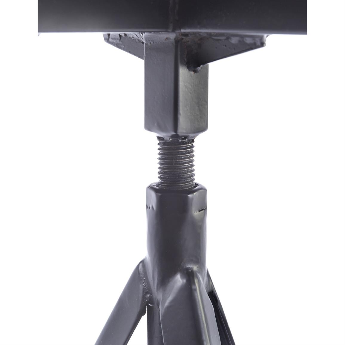 Tripod base provides wide stability on any terrain