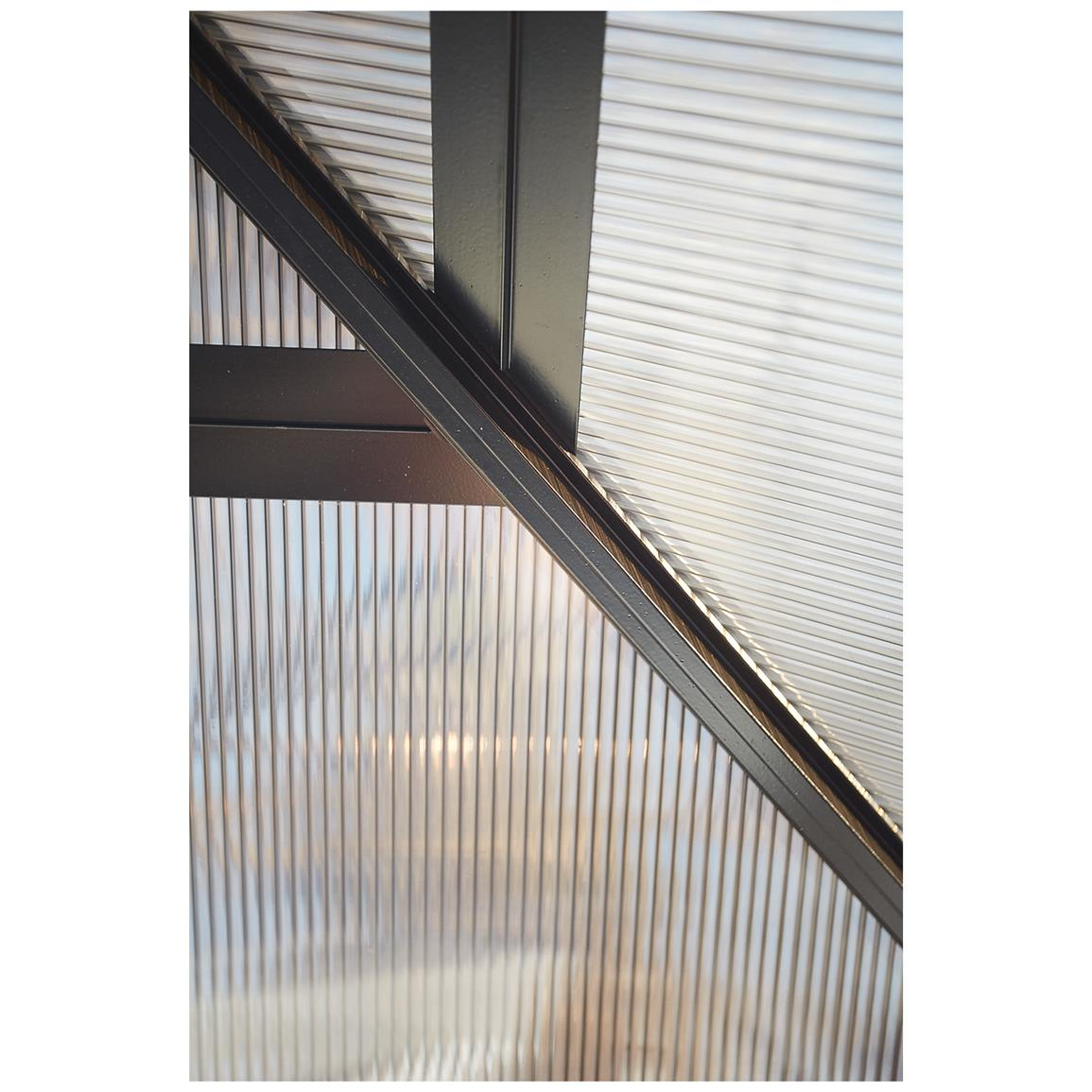 Aluminum roof beams with polycarbonate panels
