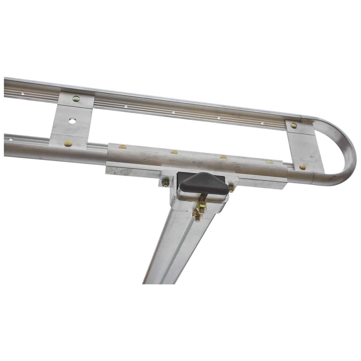 Rear grab handles help you climb into the truck bed