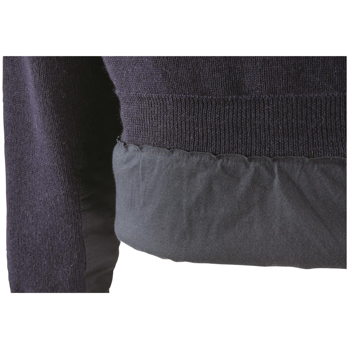 100% wool conserves body heat, damp or dry
