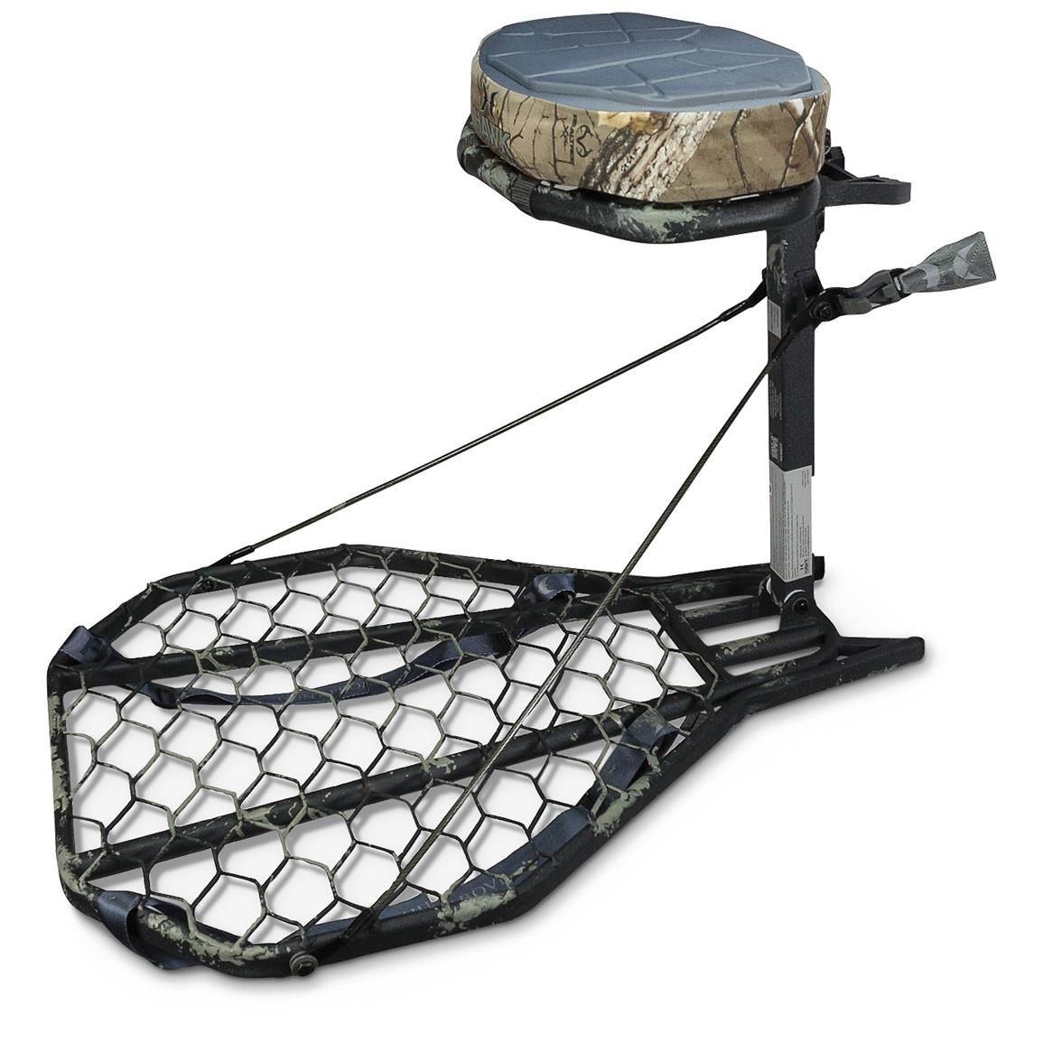 "24"" x 30"" platform with oversized grip-mesh is welded at all contact points for supreme strength and stability"