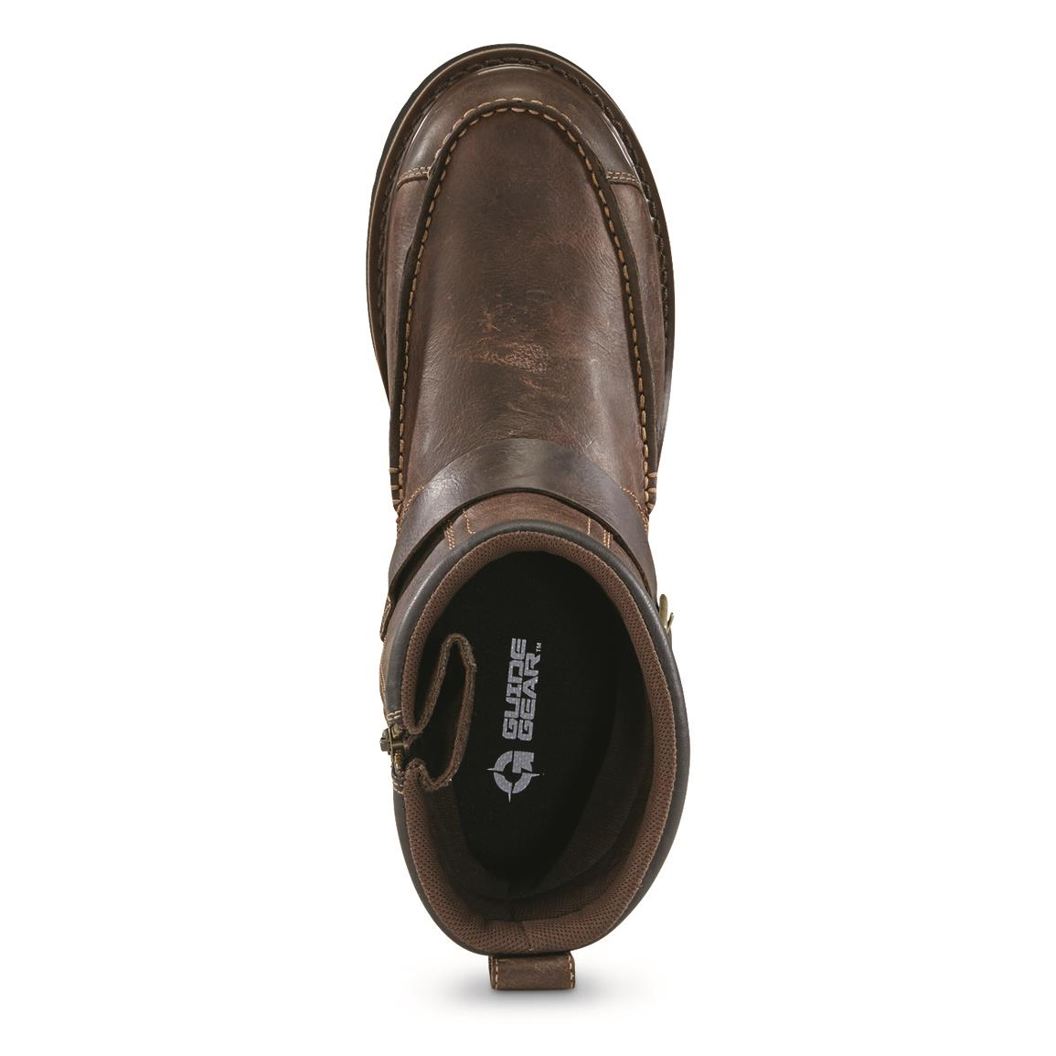 Roomy moc toe that fits comfortably even after a long day of foot-swelling, ground-pounding action