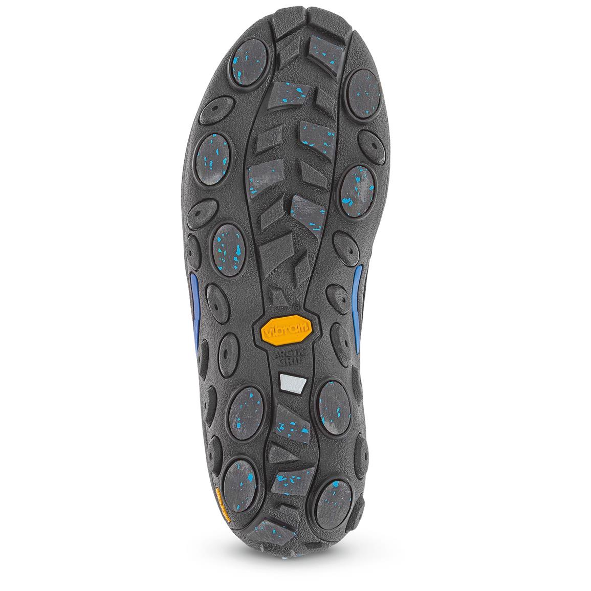 Vibram® Arctic Ice Grip slip-resistant outsole delivers top traction on all surfaces, but excels on wet ice