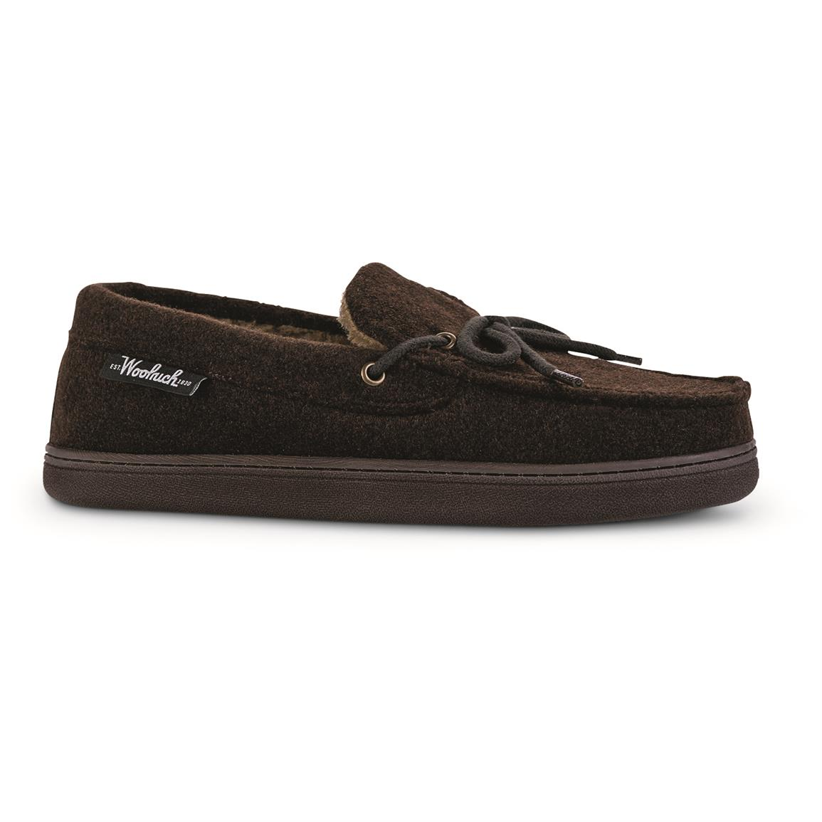 Woolrich Men's Lewisburg Moccasin Slippers, Chocolate