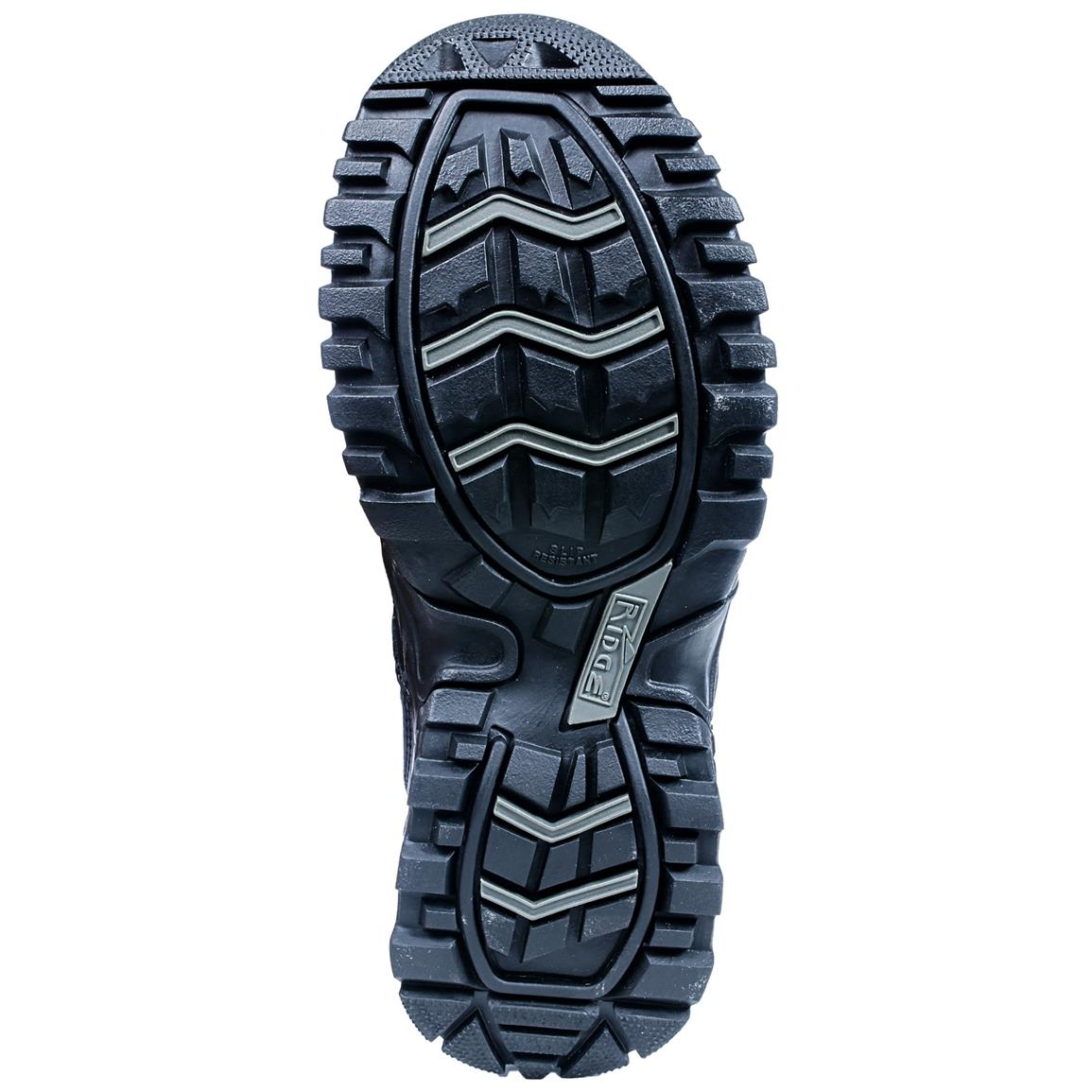 1A carbon rubber outsole delivers solid traction to keep you upright