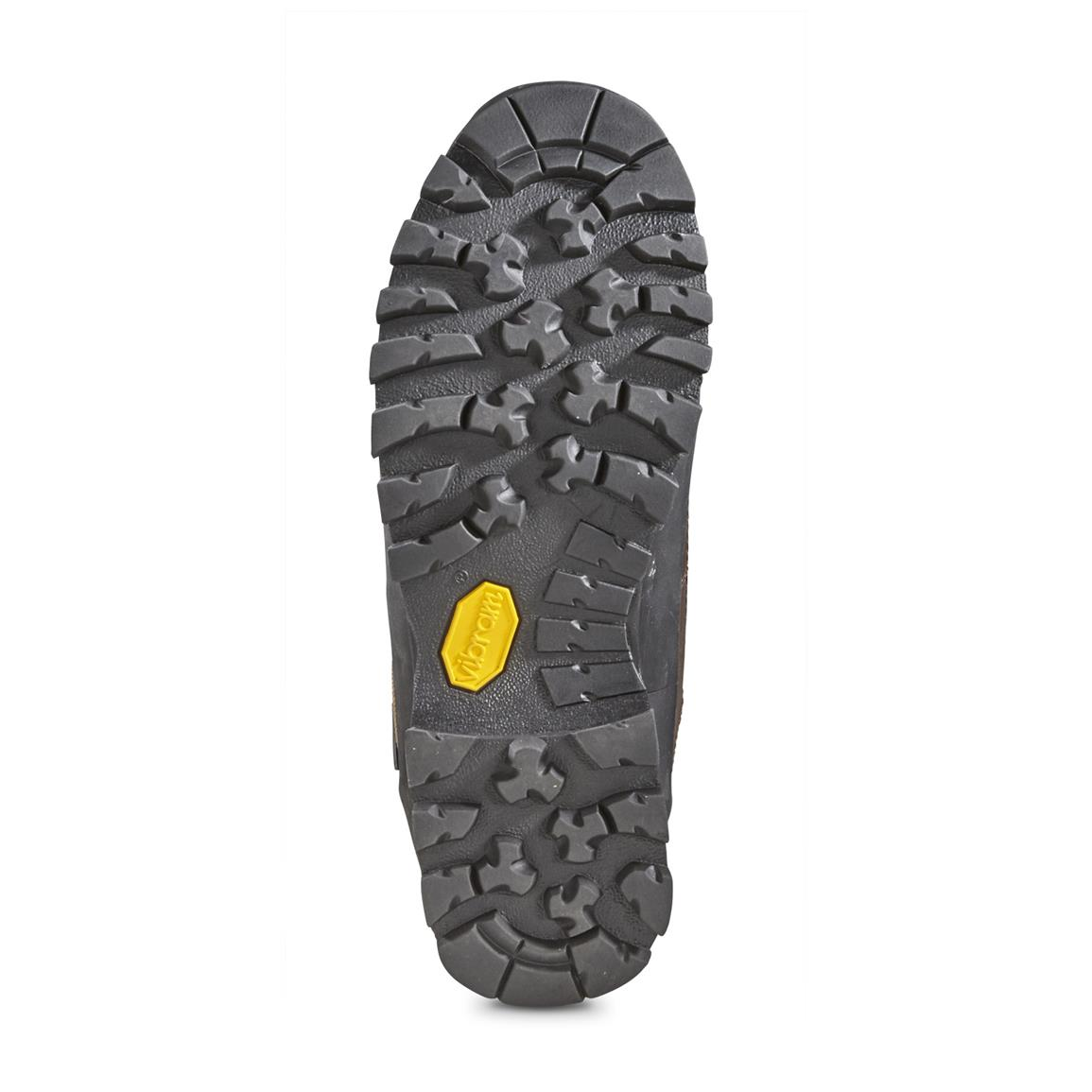 Vibram® Tsavo outsole excels on steep terrain and slick surfaces