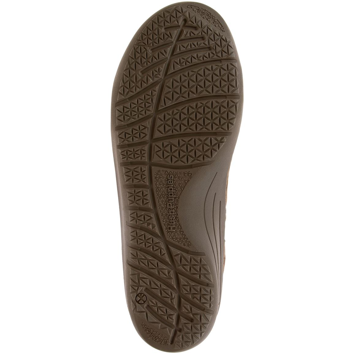 Athletic injected EVA lightweight outsole with EPR compound blending maintains a consistent shape