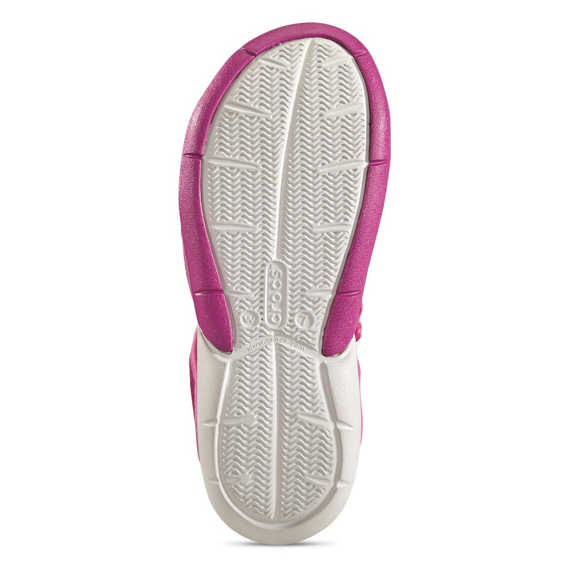 Grooved outsole