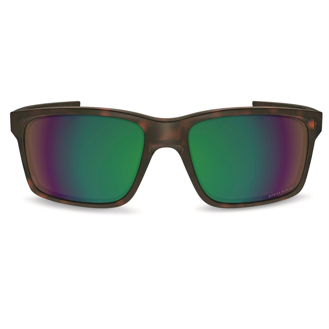 Polarized: maximizes contrast, enhances visibility