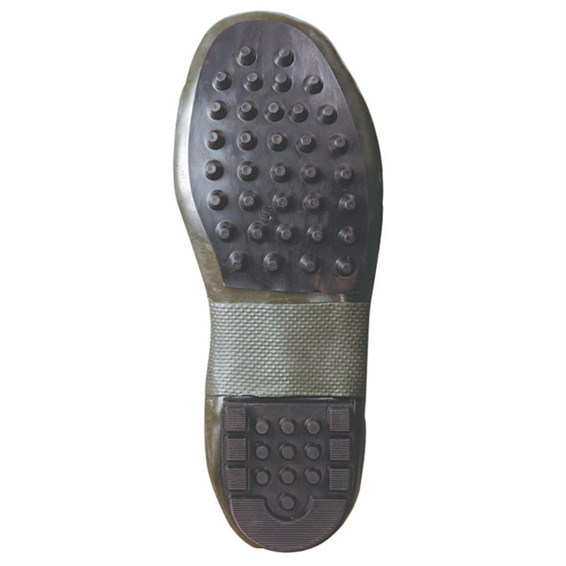 Fiberglass shank and EVA footbed for comfort and support